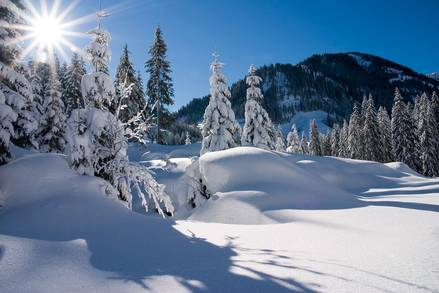 Snowy winter countryside in Zell am See